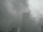 Schwarzer Rauch über Frankfurt