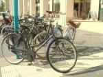 DutchClassic Rad versperrt Blindenleitstreifen